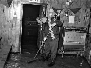 Hudson Boat Club flood April 1970 (2)
