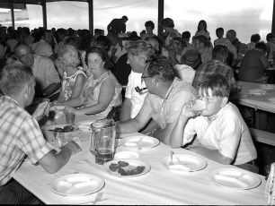 Clermont Fire Dept. Annual Clambake 1969 (7)