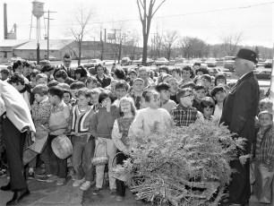 WHUC Radio Easter Egg Hunt Greenport 1968 (3)