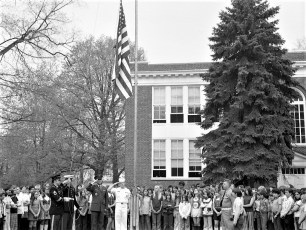 Hudson VFW donates flags to Col. Cty. Schools 1973 (1)