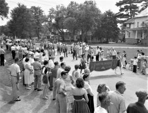 Col. Cty Volunteer Fireman's Parade Livingston 1958 (7)