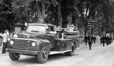 Col. Cty. Volunteer Fireman's Parade Copake 1958 (10)