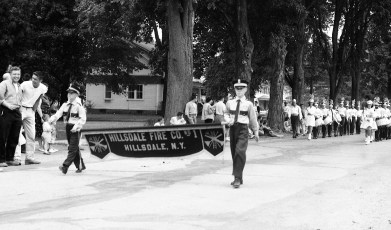 Col. Cty. Volunteer Fireman's Parade Copake 1958 (9)