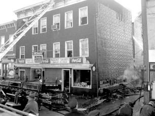 Hudson Fire Meiner's Columbia St. Dec. 1957 (1)