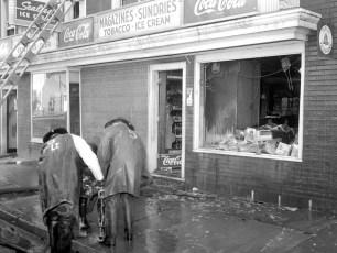 Hudson Fire Meiner's Columbia St. Dec. 1957 (3)