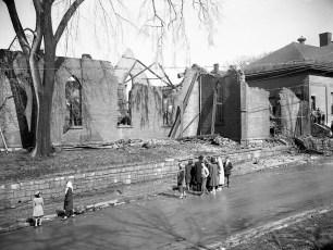 Hudson Fire St. Mary's Academy Hall Mar. 1950 (4)