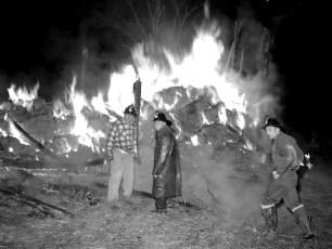 Tivoli Fire Huber's Barn Swamp Road Jan. 1957 (1)