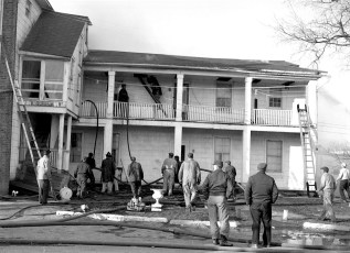 Clermont Fire Burton Fraleigh's apartment house Apr. 1960 (3)