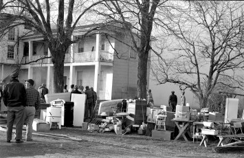 Clermont Fire Burton Fraleigh's apartment house Apr. 1960 (5)