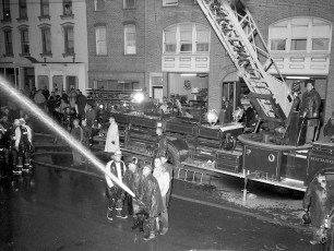 Hudson Fire Byron Parker Bldg. Warren St. Nov. 1966 (4)