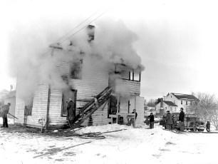Linlithgo Fire Bartolotta Tenant House Dec. 1960 (1)