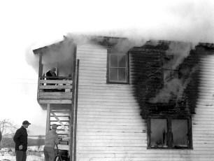 Linlithgo Fire Bartolotta Tenant House Dec. 1960 (2)