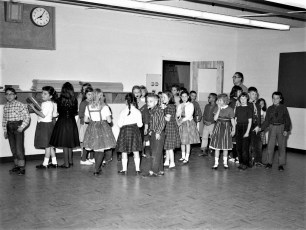 GCS 4th Grade moving day 1958 (1)