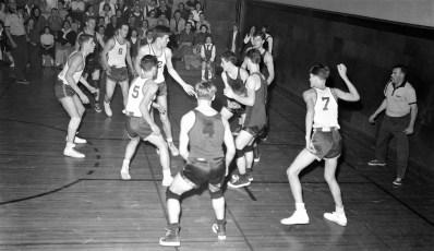 GCS 1957 Basketball at home (1)