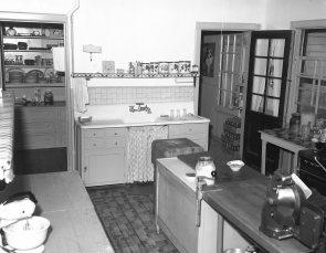 Elmwood Inn Rts. 22 & 23 Hillsdale 1958 (4)