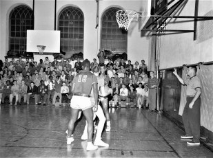 Hudson High School Varsity Basketball 1957 (9)