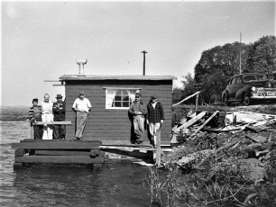 DeWitt's & Co Cheviot 1952