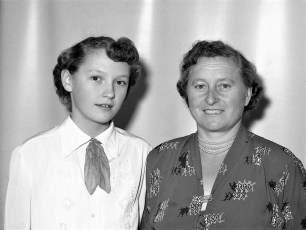 Louisa & Sophie Reuter G'twon 1953