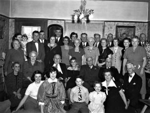 Mr & Mrs Gus Cross 55th Anniversary 1952 (1)