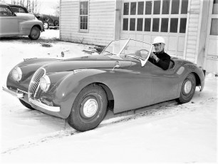 Warren Bohnsack with Jaguar 1954 (2)