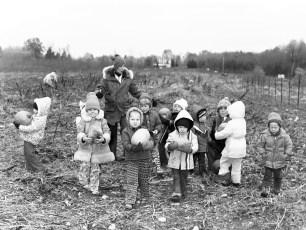 Manorton Church Pre Schoolers at pumpkin patch 1976