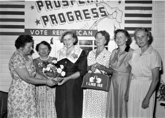 Mrs. Fleming Hubbard hosts fellow Republicans Gtown 1956 2