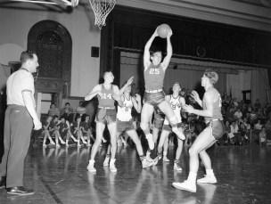 Roe Jan Central Basketball 1957 (1)