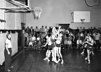 Roe Jan High Basketball Hillsdale 1956 (1)