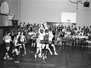 Roe-Jan vs. Chatham at home 1958 (1)