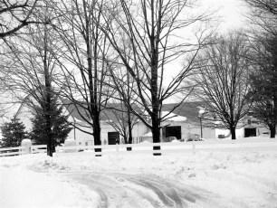 Gene-Sarazen-snow-scenes-of-house-1950-2