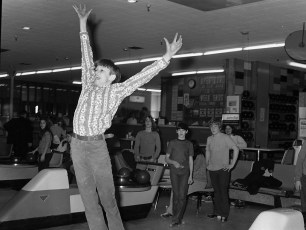 St. Mary's Academy Bowling Team at Hendrick Hudson Lanes 1973 (4)