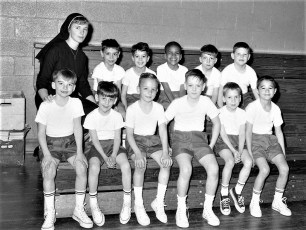 St. Mary's Kindergarten B-Ball 1968 (3)