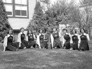 Tivoli School Cheerleaders 1949 (4)