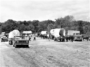 Bicentennial Wagon Train stop at Clermont Farms 1976 (1)