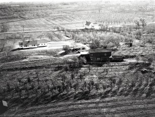 Dr Hugh Henry's house aerial views Cheviot 1947 (4)