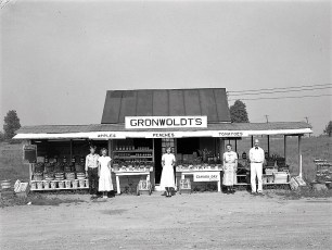 Gronwoldt's Fruit Stand 9G G'town 1949 (2)