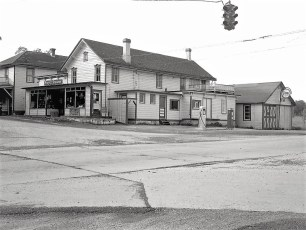 Perry Steven's Store Main St & 9G Unknown Year