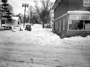 Snow Storm G'town NY 12 27 47