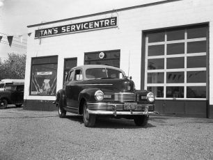 Stan's Servicentre repaired Nash 1949