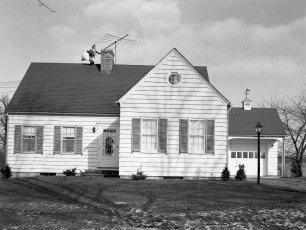 Bullard house Xmas 1952 lower Main St G'town