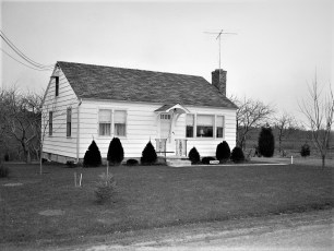 Cliff Thorne house Woods Rd G'town 1954