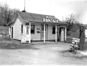 Stoner's Grocery Store Rt. 9G N. G'town 1958 (1)