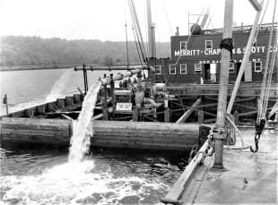 Dredging the Hudson N. G'town 1960s (4)
