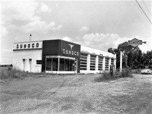 Melvin Mich building (Fink's) Rt 9G G'town 1960