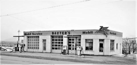 Baxter's Service Station Rt. 9G G'town 1971