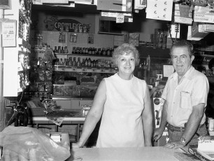 Central Market Madigan Family, Prop. Main St. G'town 1976 (3)