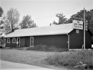 Log Cabin Tavern Prop. Rich & Audrey Franceschi G'town 1978 (1)