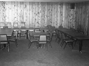 Log Cabin Tavern Prop. Rich & Audrey Franceschi G'town 1978 (3)