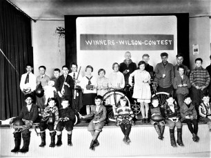 Drug Store Contest winners G'town Grange Ray Crawford 5th from left