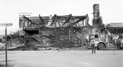 Hudson Cold Storage tear down after the fire Greenport 1976 (3)